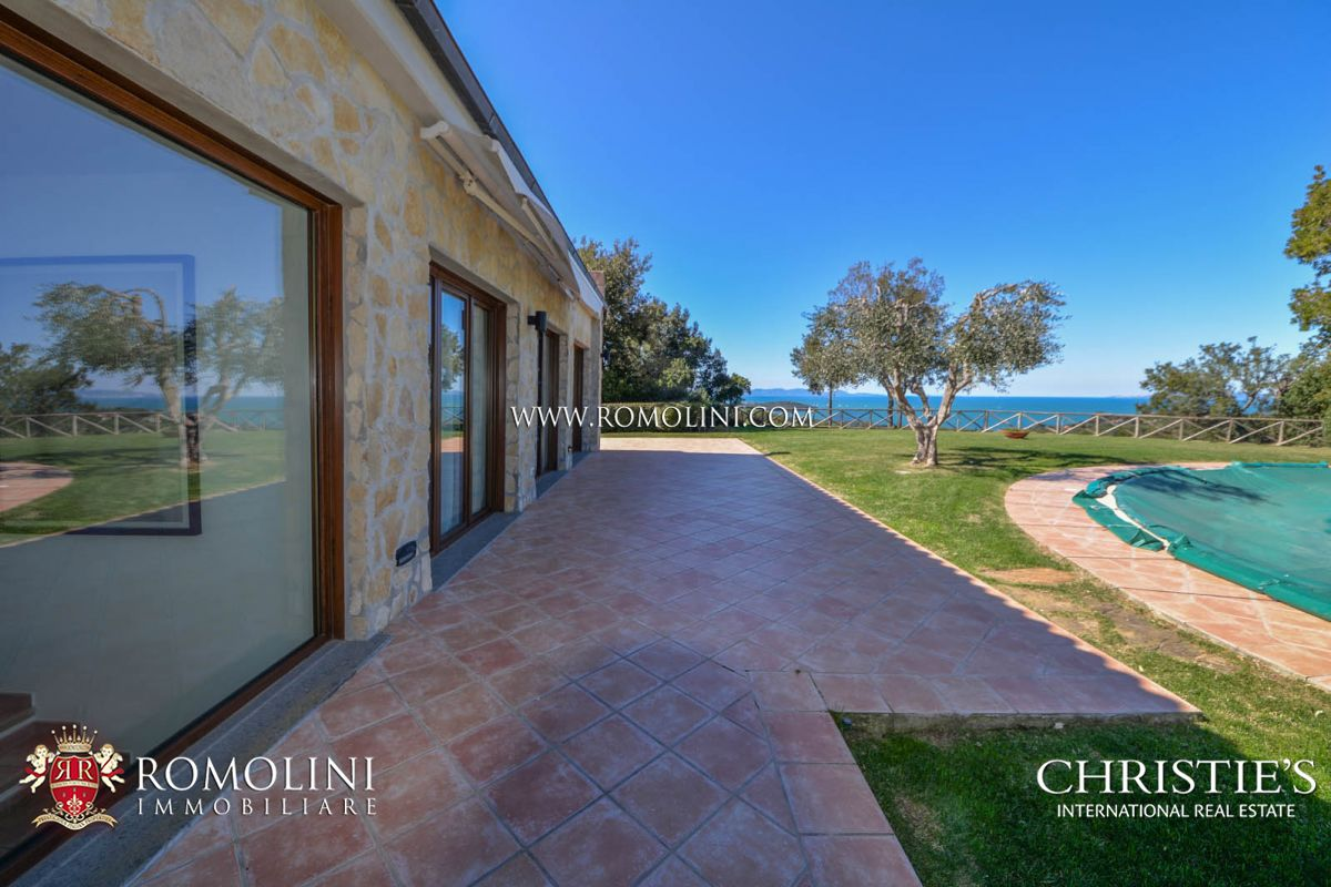 PRESTIGIOUS PANORAMIC VILLA FOR SALE ON THE GULF OF FOLLONICA, TUSCANY PUNTA ALA