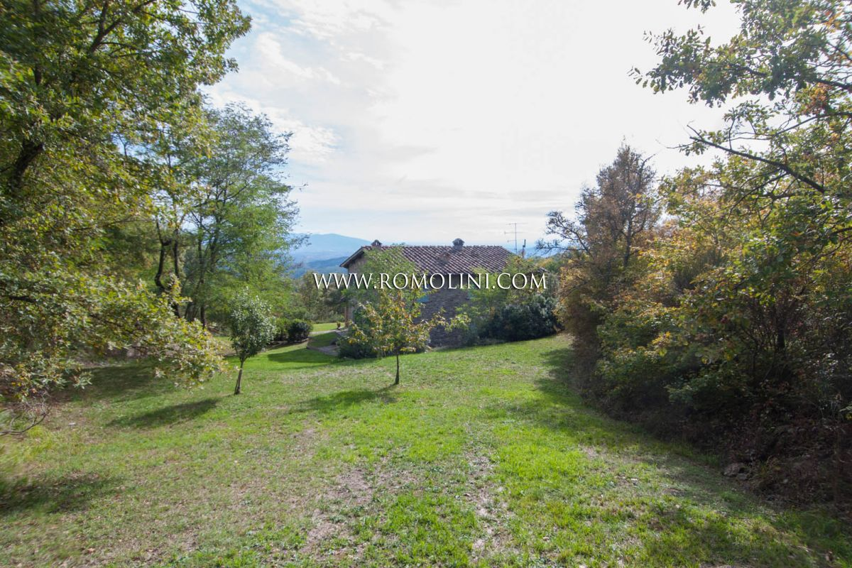 Country house for sale in the countyside, Tuscany