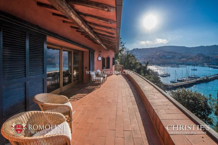 PRESTIGIOUS VILLA OVER THE SEA FOR SALE ON MONTE ARGENTARIO