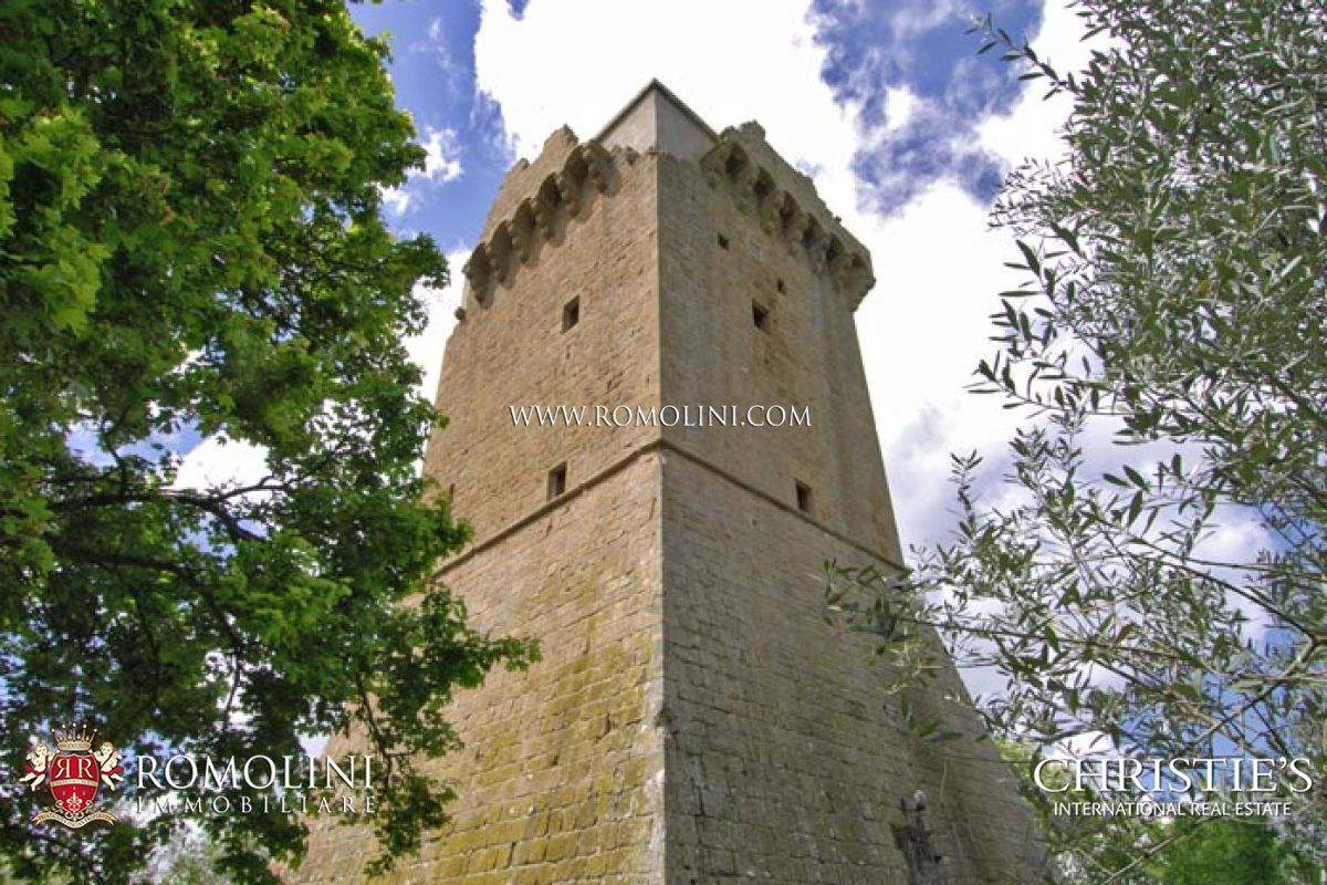 MONTICCHIELLO PIENZA MEDIEVAL TOWER FOR SALE