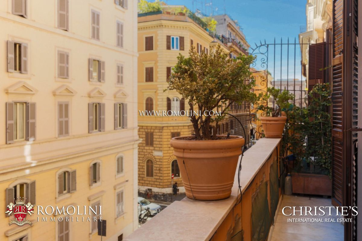 THREE BEDROOM LUXURY APARTMENT FOR SALE ROME