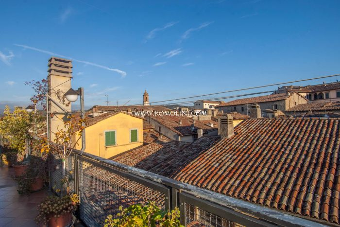 CITTÀ DI CASTELLO: PENTHOUSE FOR SALE IN THE HISTORICAL CENTRE