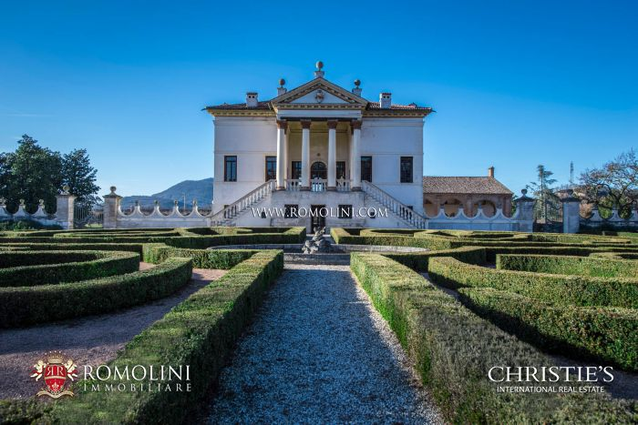 LUXURY VENETIAN VILLA, PERIOD MANOR HOUSE FOR SALE, PADUA