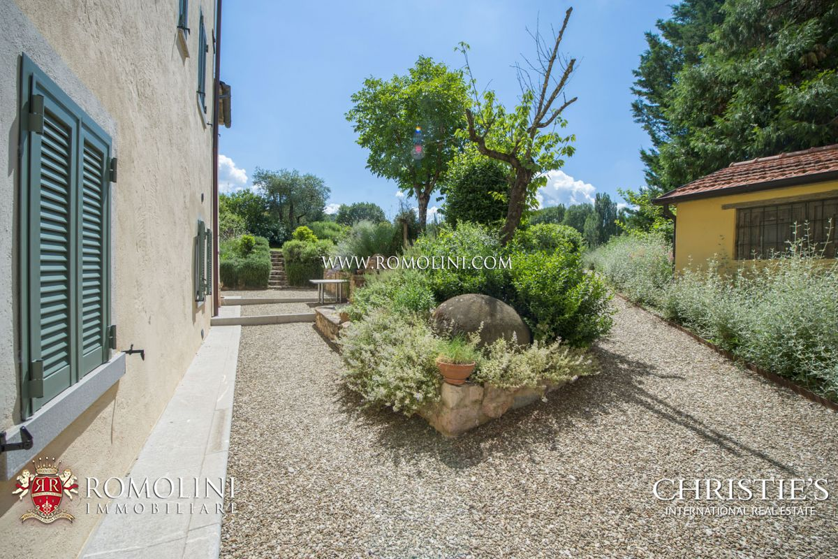 LIBERTY STYLE VILLA WITH POOL FOR SALE IN UMBERTIDE, UMBRIA