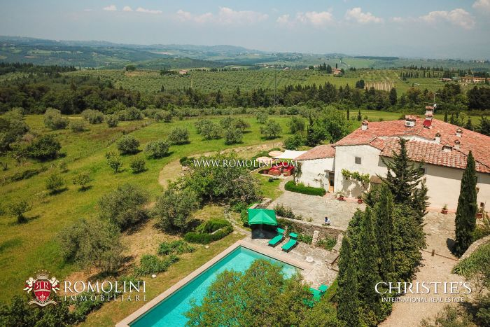 FINELY RESTORED VILLA FOR SALE ON THE CHIANTI HILLS