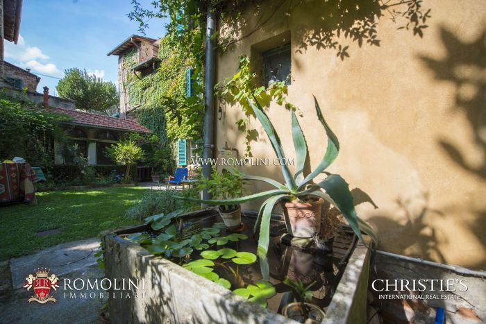 TOWN  HOUSE WITH TERRACE AND GARDEN FOR SALE IN SANSEPOLCRO