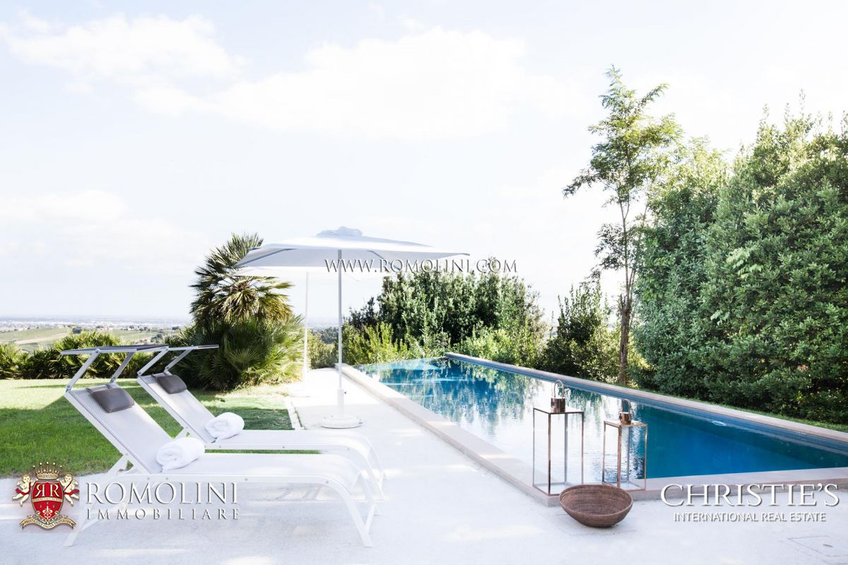 LUXURY SEA VIEW VILLA FOR SALE, EMILIA-ROMAGNA, ADRIATIC COAST