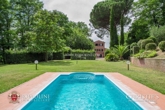 RESTORED VILLA FOR SALE NEAR PISA, TUSCANY