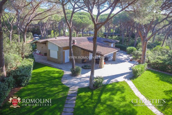 VILLA FOR SALE IN THE PINETA DI ROCCAMARE, TUSCANY