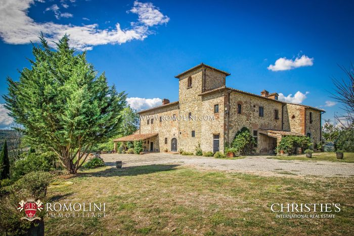 FARMHOUSE WITH MEDIEVAL TOWER FOR SALE, SAN CASCIANO VAL DI PESA