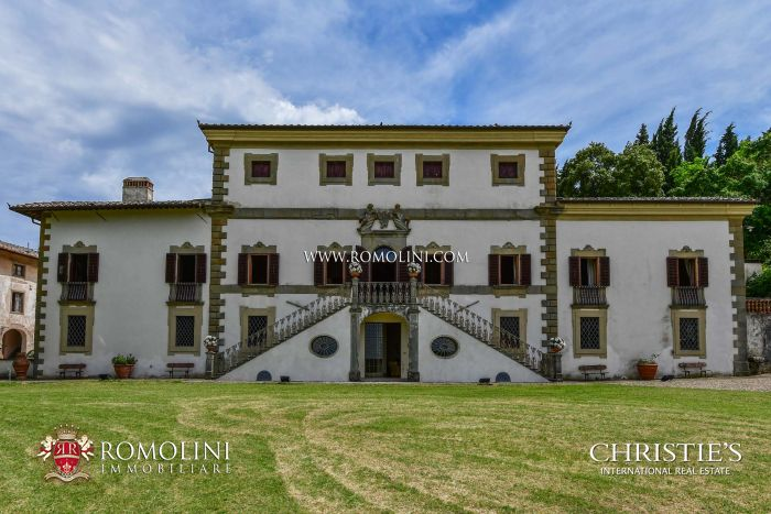 HISTORIC VILLA FOR SALE IN CHIANTI, FLORENCE