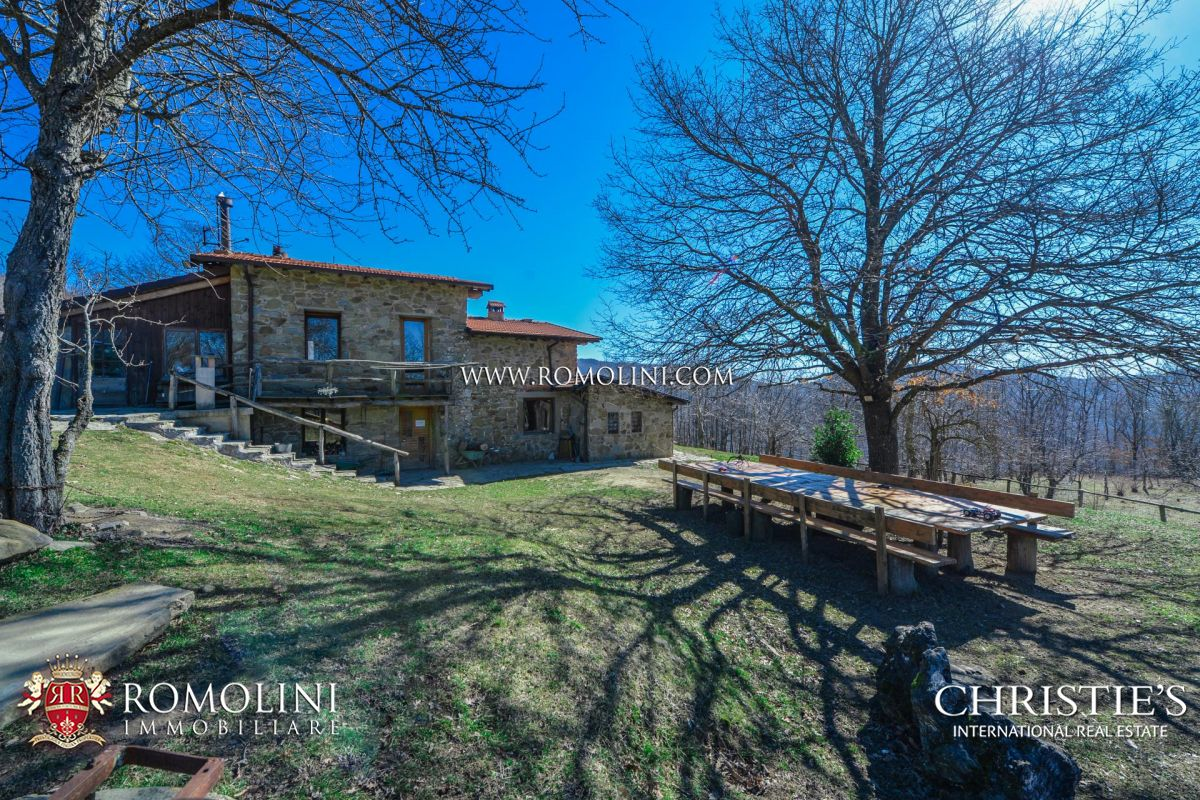 PRIVATE MOUNTAIN SHELTER, AGRITURISMO FOR SALE IN CASENTINO