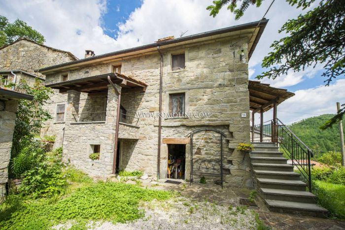 FIXER-UPPER FOR SALE IN TUSCANY