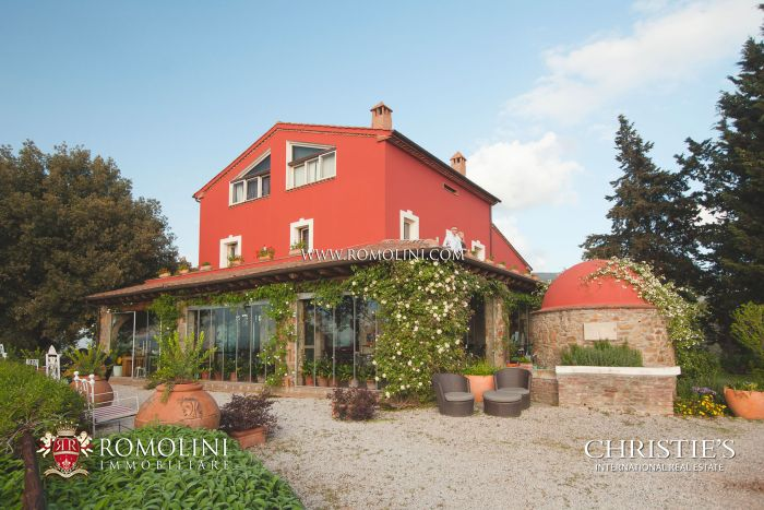 SEA VIEW LUXURY VILLA FOR SALE IN TUSCANY