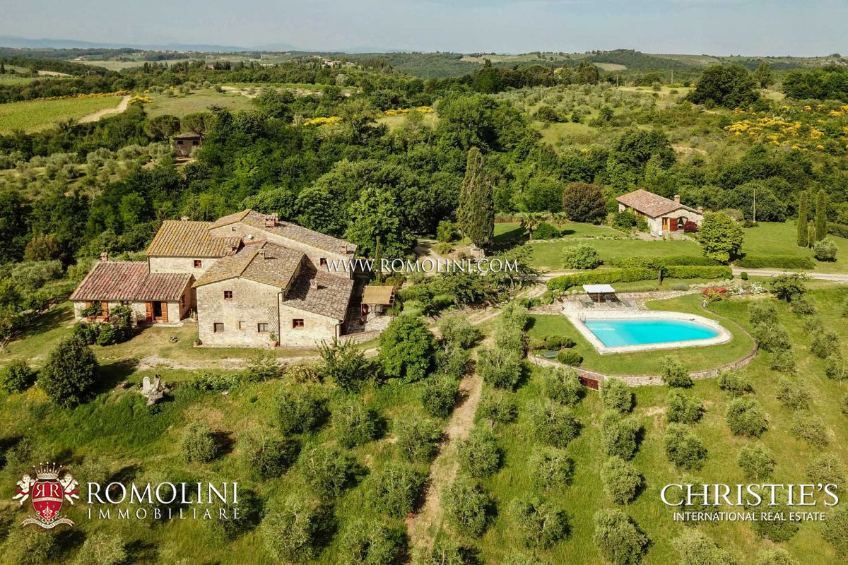 FARMHOUSE FOR SALE IN CHIANTI | Romolini.com