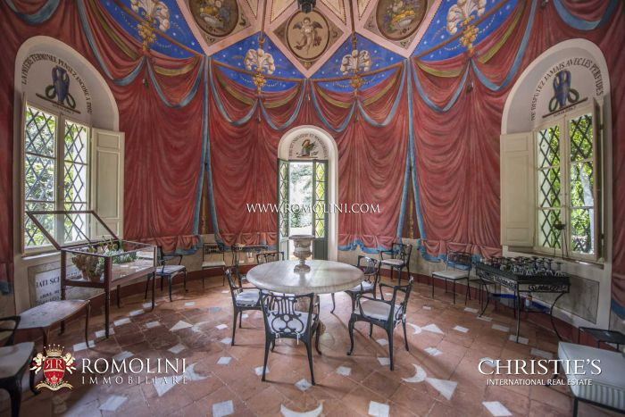 VILLA LA VAGNOLA - MAGNIFICENT LUXURY PROPERTY FOR SALE IN TUSCANY
