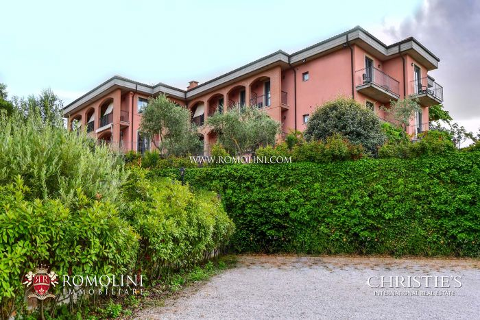 HOTEL FOR SALE IN MONTEPULCIANO, VAL D'ORCIA