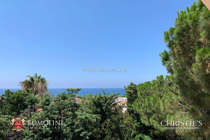LUXURY SEA VIEW VILLA FOR SALE IN CALABRIA
