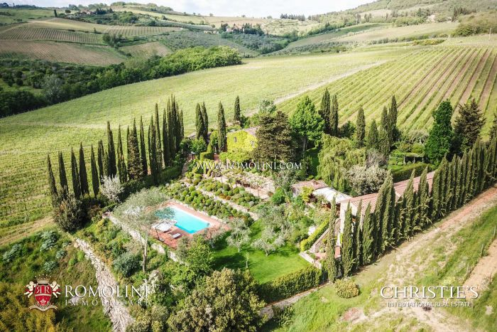 RESTORED FARMHOUSE FOR SALE IN PANZANO, CHIANTI CLASSICO