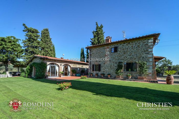 PROPERTY FOR SALE IN CHIANTI - AREZZO, TUSCANY