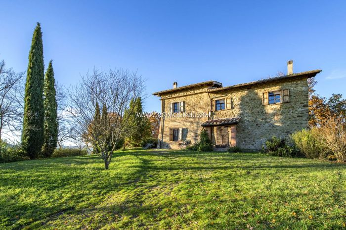 RUSTIC HOUSE FOR SALE IN UMBRIA, UMBERTIDE