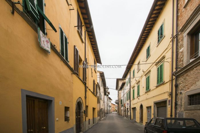 SANSEPOLCRO, TUSCANY: 2-BEDROOM APARTMENT FOR SALE