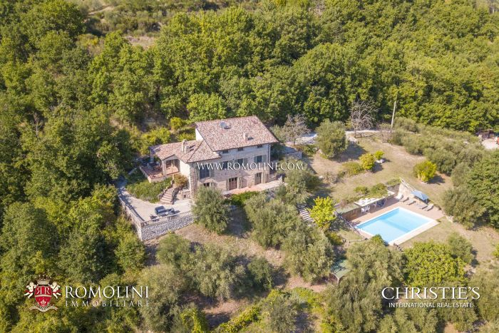 RESTORED COUNTRY HOUSE FOR SALE UMBRIA, UMBERTIDE