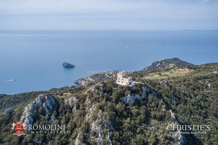 LUXURY SEA VIEW VILLA FOR SALE IN ARGENTARIO, TUSCANY