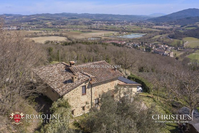 COUNTRY HOUSE WITH PANORAMIC VIEW FOR SALE, NICCONE VALLEY