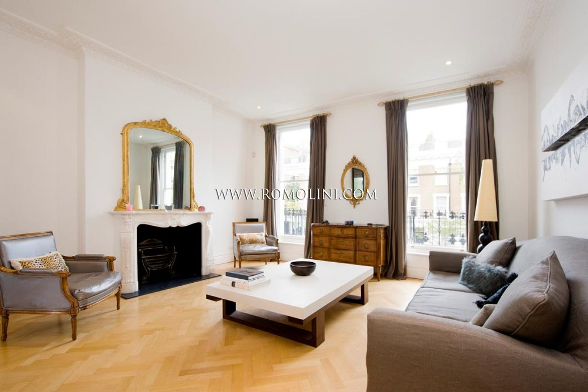 Villa with garden for sale in London