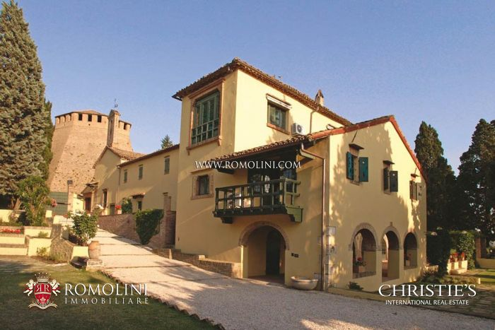 ADRIATIC COAST: HISTORICAL CONVENT WITH SEA VIEW FOR SALE