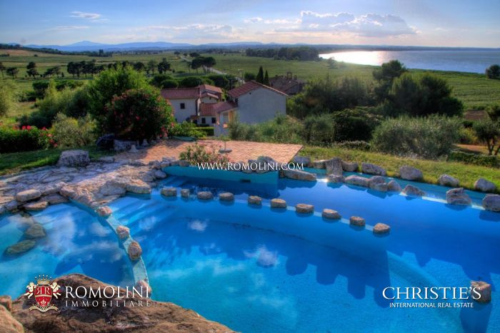 TRASIMENO LAKE: VILLA WITH POOL FOR SALE