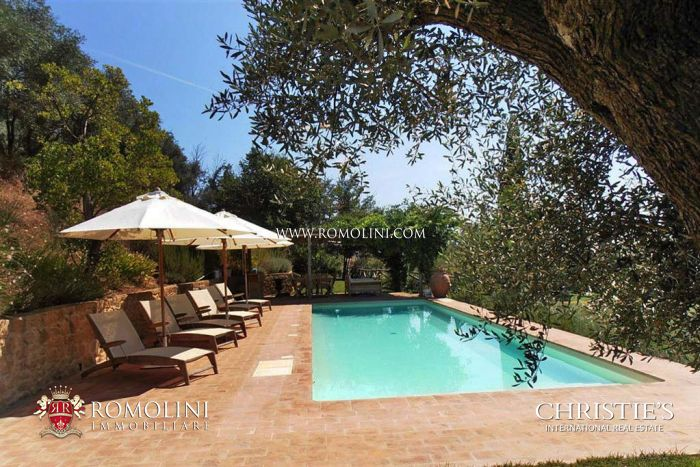 FARMHOUSE FOR SALE IN TUSCANY, MONTEPULCIANO