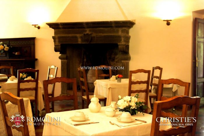 RELAIS ORVIETO: CHARMING VILLA WITH POOL FOR SALE IN UMBRIA, ORVIETO