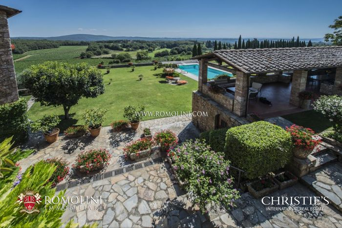 TUSCAN WINE ESTATE FOR SALE: VINEYARDS, LUXURY VILLA IN SIENA