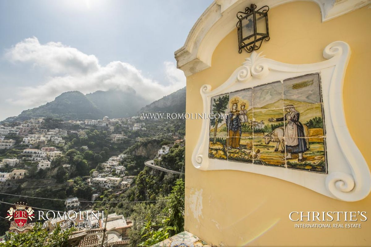 RESIDENZA POSITANO: APARTMENT WITH SEA VIEW TERRACE FOR SALE