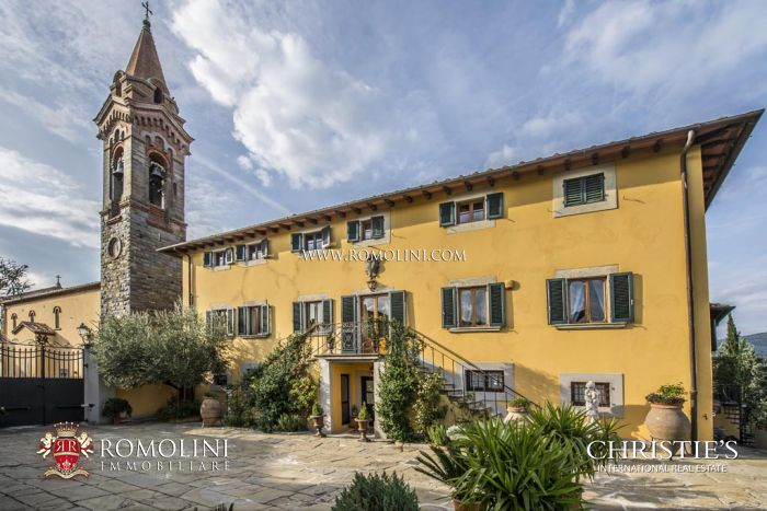 17th CENTURY PERIOD MANOR HOUSE FOR SALE IN VALDARNO, Tuscany.  Romolini.com