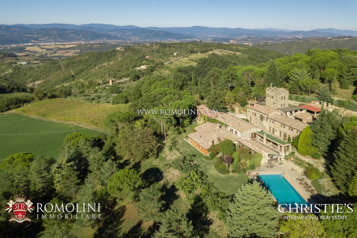 BORGO, HAMLET FOR SALE IN UMBRIA