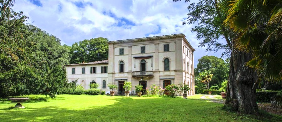 HISTORIC VILLA FOR SALE IN SIENA, TUSCANY