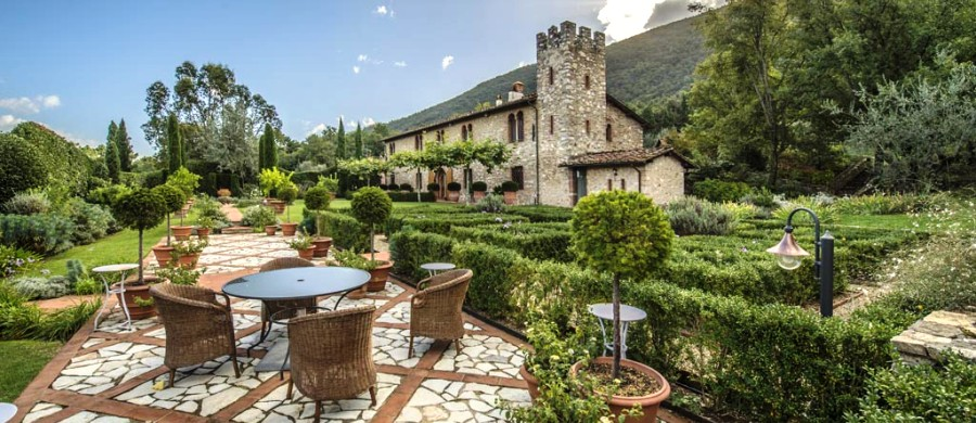 LUXURY VILLA FOR SALE IN LUCCA, TUSCANY